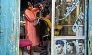 فشار عجیب طالبان بر آرایشگاههای مردانه افغانستان | استفاده از اسپری مو و زدن ریش ممنوع! / فیلم