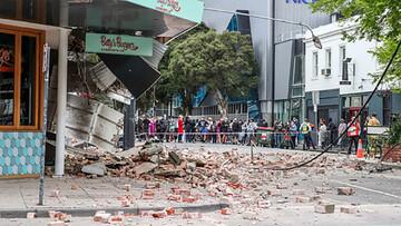 بهت مجری تلویزیون استرالیا هنگام وقوع زلزله ۶ ریشتری / فیلم
