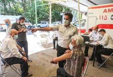 طرح ضربتی واکسیناسیون کرونا در تهران آغاز شد / تمام متولدان ۱۳۸۳ به قبل میتوانند واکسن بزنند