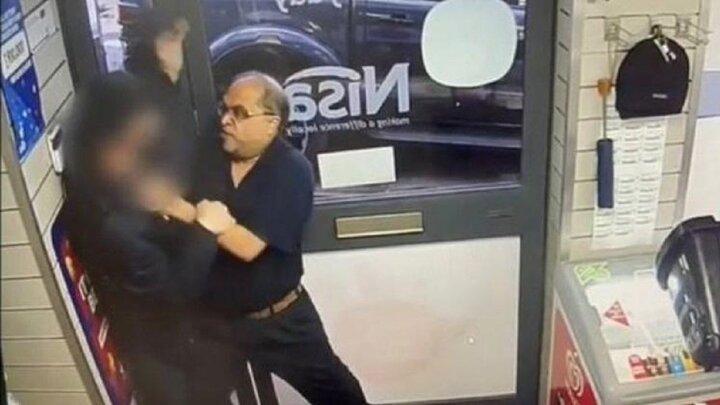 لحظه دستگیری دزد فروشگاه توسط فروشنده حین فرار / فیلم