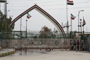 زائران برای حضور در مراسم اربعین به مرز خسروی نروند