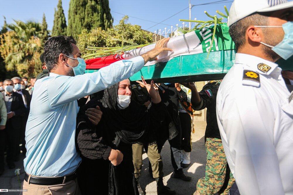 تشییع پیکر شهید لندی در اصفهان