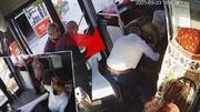 ویدیو جالب از لحظه نجات جان یک مرد در اتوبوس توسط راننده!