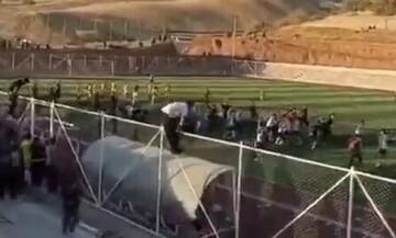 کتککاری شدید تماشاگران و بازیکنان در فوتبال نوجوانان / فیلم