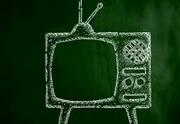خط قرمزهای عجیب تلویزیون در ایران!؛ از ریختن چایی مرد برای زن تا نشان دادن دو پسر تنها در منزل! / عکس