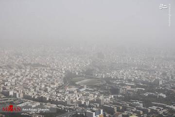 تصاویری عجیب از گرد و غبار شدید در تهران