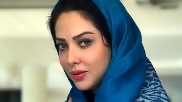 بازیگر زن مشهور سینما در خودروی لاکچری! / فیلم
