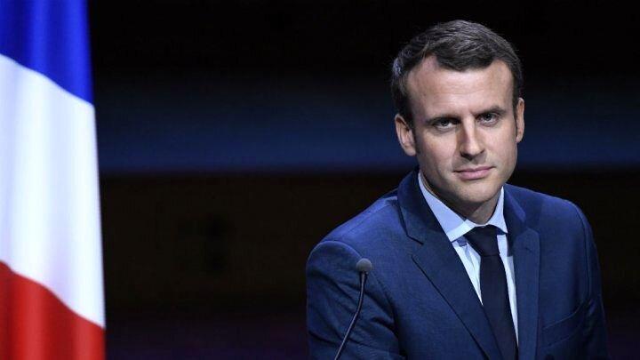 پرتاب تخم مرغ به سمت رییسجمهور فرانسه / فیلم