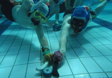 ویدیو جالب و عجیب از ورزش هاکی زیر آب در امارات
