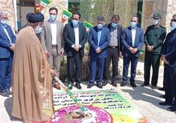 کلنگ احداث سومین مدرسه بانک سینا در شهرستان تنگستان بوشهر به زمین زده شد