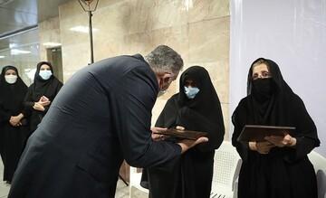 رونمایی از دیوارنگاره شهدای شهرداری تهران / تصاویر