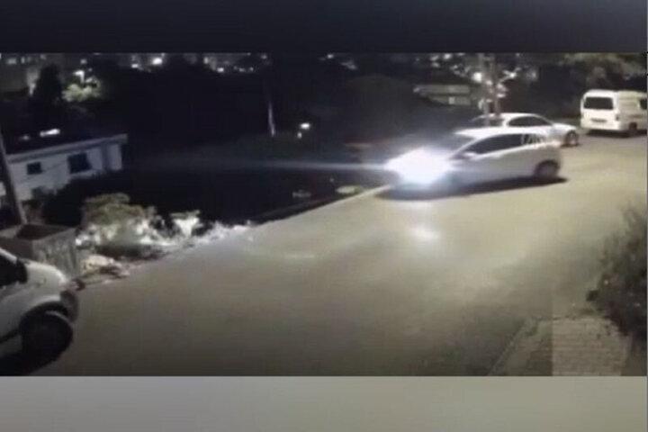 عجیبترین و خسارتبارترین شیوه پارک خودرو در جهان! / فیلم