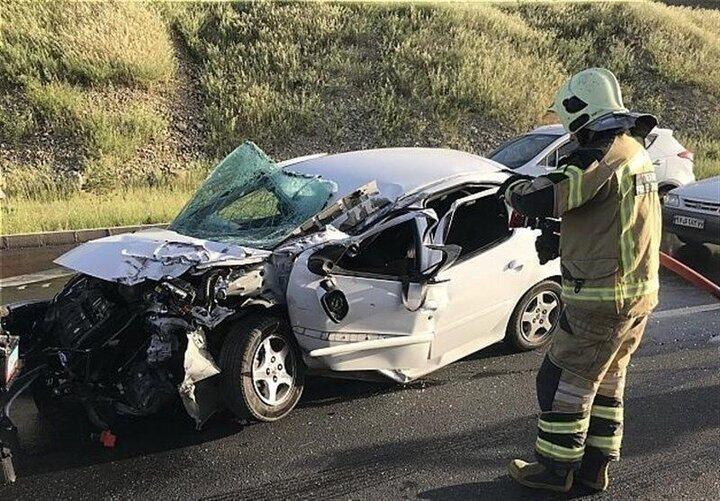 تصادف ۲۰۷ با کامیونت یک کشته و ۴ مصدوم برجای گذاشت / عکس