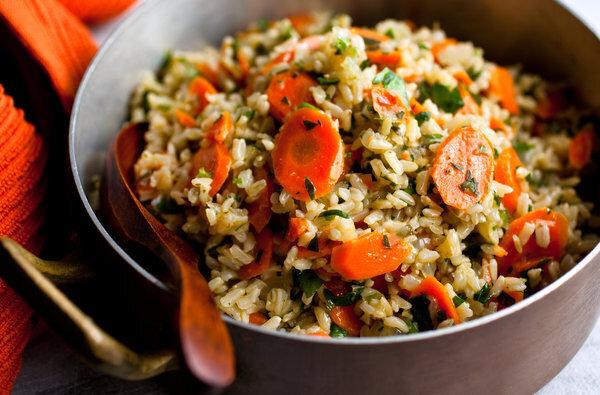 طرز تهیه هویج پلو با گوشت؛ مجلسی و خوش طعم