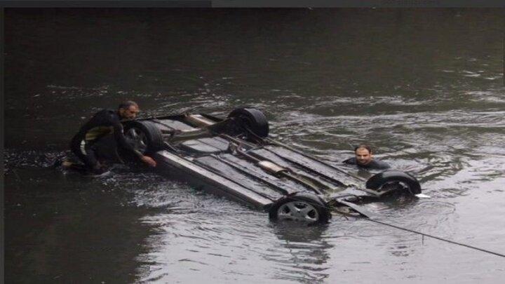حادثه مرگبار در رشت / یک خودرو با سرنشینان به داخل رودخانه سقوط کرد! + عکس