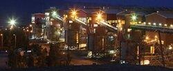 معدن سنگ آهن چادرملو برتارک قلب کویر ایران میدرخشد