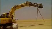 فیلمی باورنکردنی از  کشف مار ۱۴ متری در سیل خوزستان / ماجرا چه بود؟