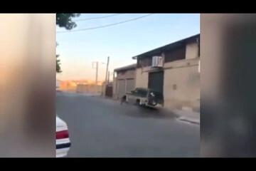 واژگونی عجیب خودروی شاسیبلند حین انجام حرکات نمایشی / فیلم