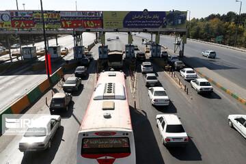 ترافیک نیمهسنگین در ورودیهای شهر مشهد
