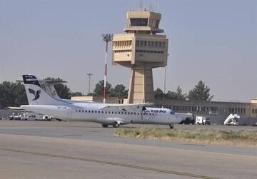 لحظه فرود موفق هواپیما تهران به اصفهان توسط خلبان پس از خاموش شدن یکی از موتورها / فیلم
