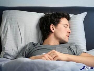 چرا در خواب عرق میکنیم؟ + نحوه درمان