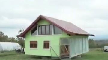 طراحی خانهای عجیب با قابلیت چرخش ۳۶۰ درجهای / فیلم
