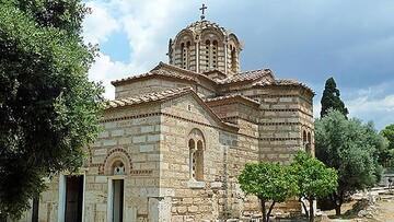تخریب کامل کلیسای ساحلی یونان پس از وقوع زلزله / فیلم