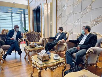 احمدینژاد راهی دوبی شد / عکس