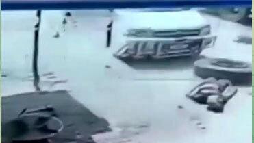 صحنه دلخراش مرگ مرد آپاراتی به دلیل انفجار لاستیک! / فیلم