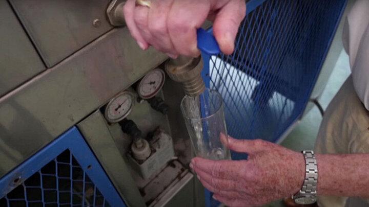این دستگاه از هوا آب تولید میکند! / عکس