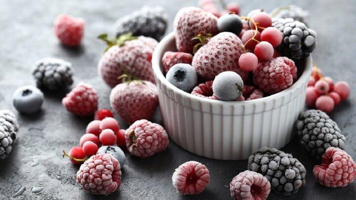 فواید و مضرات میوه خشک یا یخ زده