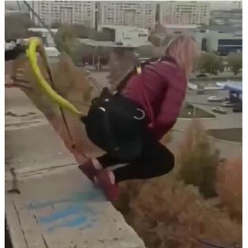 ویدیو هولناک از سقوط مرگبار یک زن با پاره شدن طناب بانجی جامپینگ