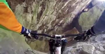ویدیو دلهرهآور از هیجان دوچرخهسواری در کوه