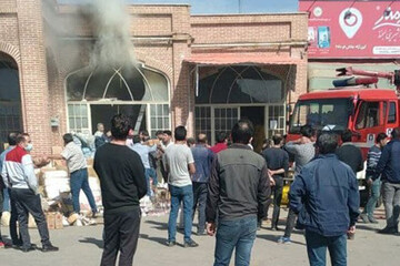 آتشسوزی یک مغازه در بازار خشکبار اردبیل / کمک مردم به مغازهدار تحسینبرانگیز شد + فیلم