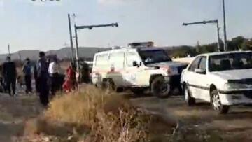 واژگونی خودروی پراید با ۶ سرنشین در گلپایگان / فیلم