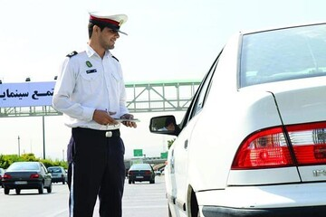 جریمه لایو یا استوری گذاشتن هنگام رانندگی چقدر است؟