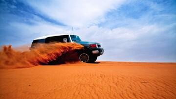 واژگونی وحشتناک خودرو در کویر مرنجاب / فیلم