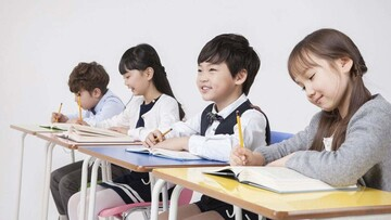 مچگیری عجیب و جالب تقلب دانشآموزان موقع امتحان توسط معلم  / فیلم