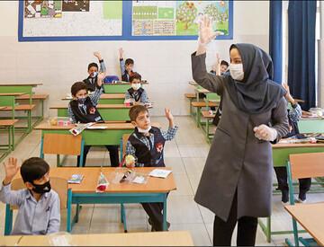 رتبهبندی پوست خربزه دولت روحانی است / از نجومیبگیرها کم کنید به معلمان بدهید