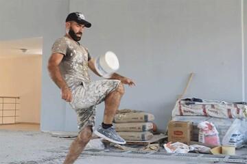 روپایی زدن نقاش ساختمان با قوطی رنگ! / فیلم
