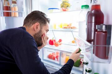 راهکارهای ساده برای از بین بردن بوی یخچال