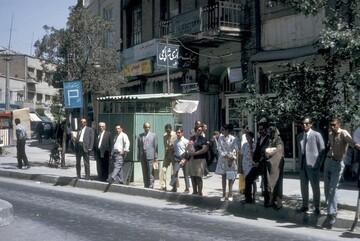 عکس زیر خاکی و دیده نشده از ایستگاه اتوبوس خیابان فردوسی تهران در ۵۵ سال قبل / عکس
