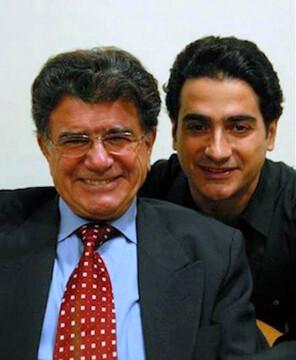 عکسی قدیمی و زیرخاکی از محمدرضا شجریان و همایون شجریان در مسابقه انارخوران / عکس