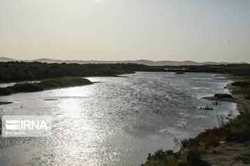 خط انتقال آب زاینده رود به یزد توسط معترضان شکست / آب انتقالی یزد قطع شد
