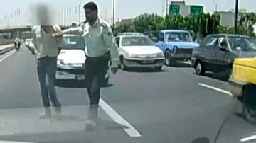 مخوفترین تعقیب و گریز در تهران / سارقان با خودروی پراید خلاف جهت اتوبان درحال فرار بودند! + فیلم