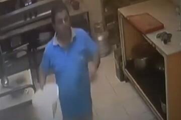 لحظه هولناک انفجار در آشپرخانه و سالم ماندن آشپز خوششانس / فیلم