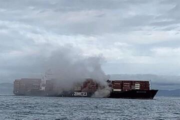یک کشتی اسرائیلی آتش گرفت / فیلم