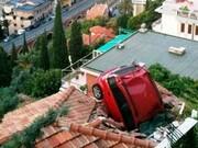 تصاویر دیده نشده از عجیبترین تصادفات دنیا که از دیدنش تعجب میکنید!