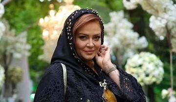 تیپ هنری بهاره رهنما در گلخانهاش / عکس