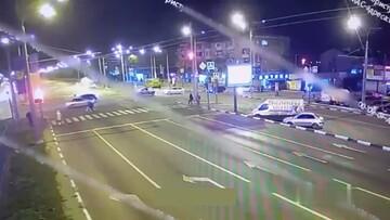 تصادف وحشتناک خودرو در تقاطع به دلیل سرعت زیاد / فیلم